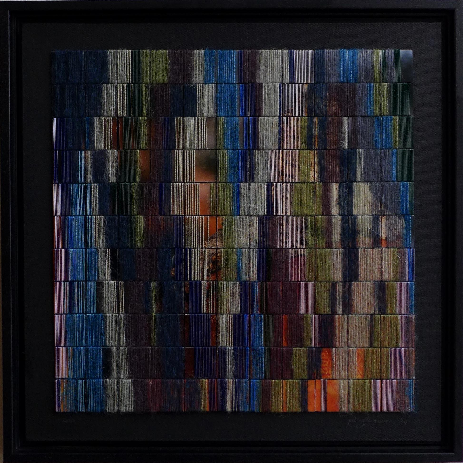 2017, 40x40cm, zwart houten lijst, 'wierook foto' op karton, multicolour garen; mohair en DMC, lijm, canvas