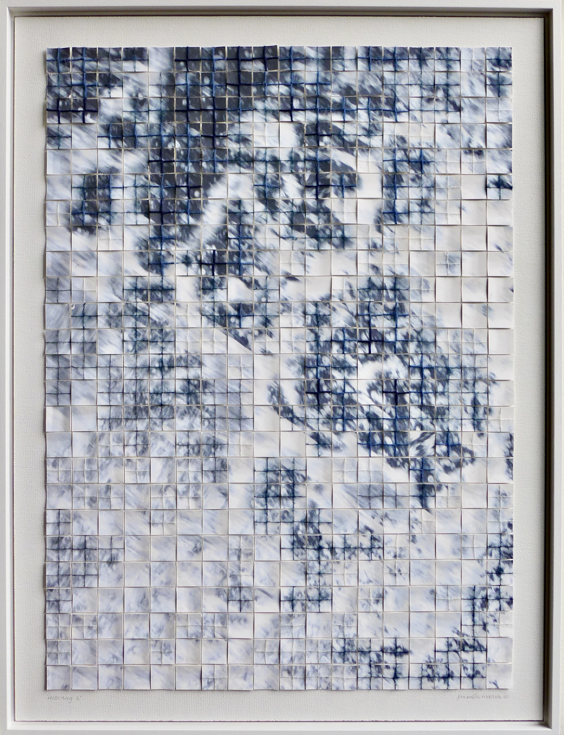 2015, 80x60cm, wit houten lijst, foto opspattend boegwater op karton, divers garen wol en katoen, lijm, canvas